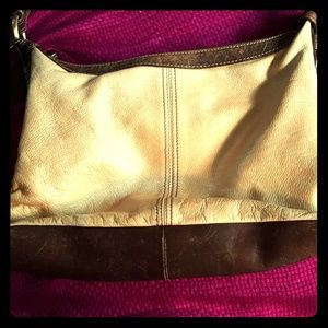 Liz Claiborne leather purse with interior pockets
